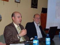 Juanjo Delgado junto a Javier Narbaiza en la Casa de Soria en Madrid