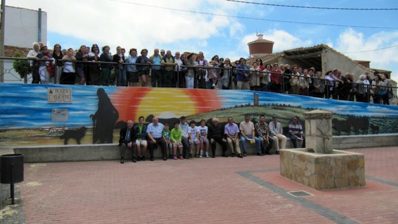 Inauguración del mural de homenaje a la trashumancia y la Cañada Real Soriana Oriental en Almarail (Soria)